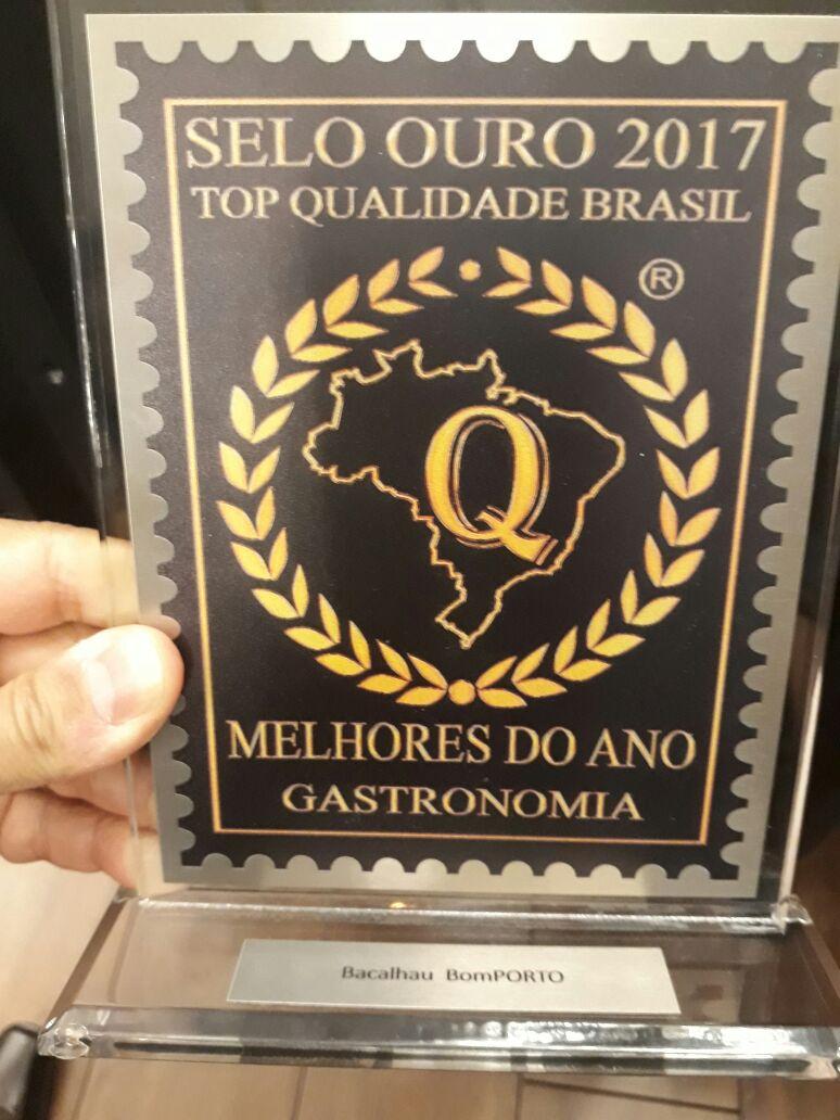 Bacalhau BomPORTO recebe Prêmio Selo Ouro Top Qualidade 2017 - Melhores do Ano Gastronomia